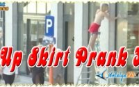 Up Skirt Prank 3
